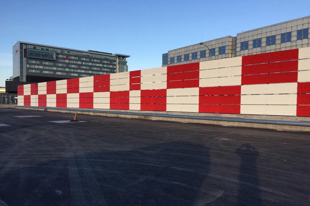 Montreal Vertical Jet Blast Fence