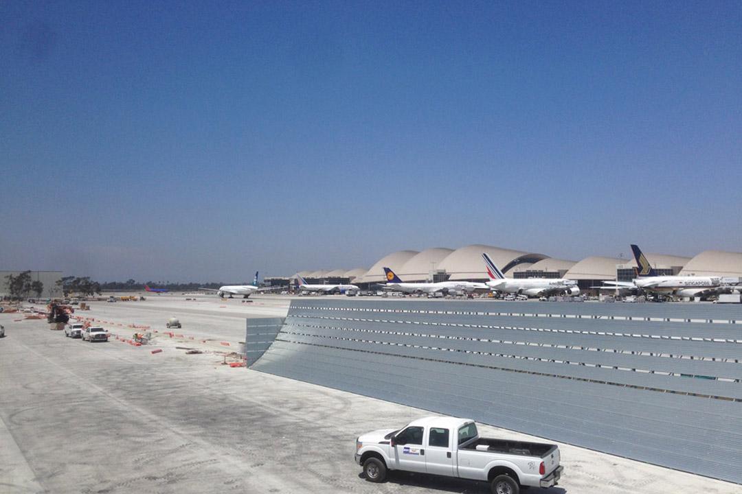 LAX Run-up Jet Blast Barrier