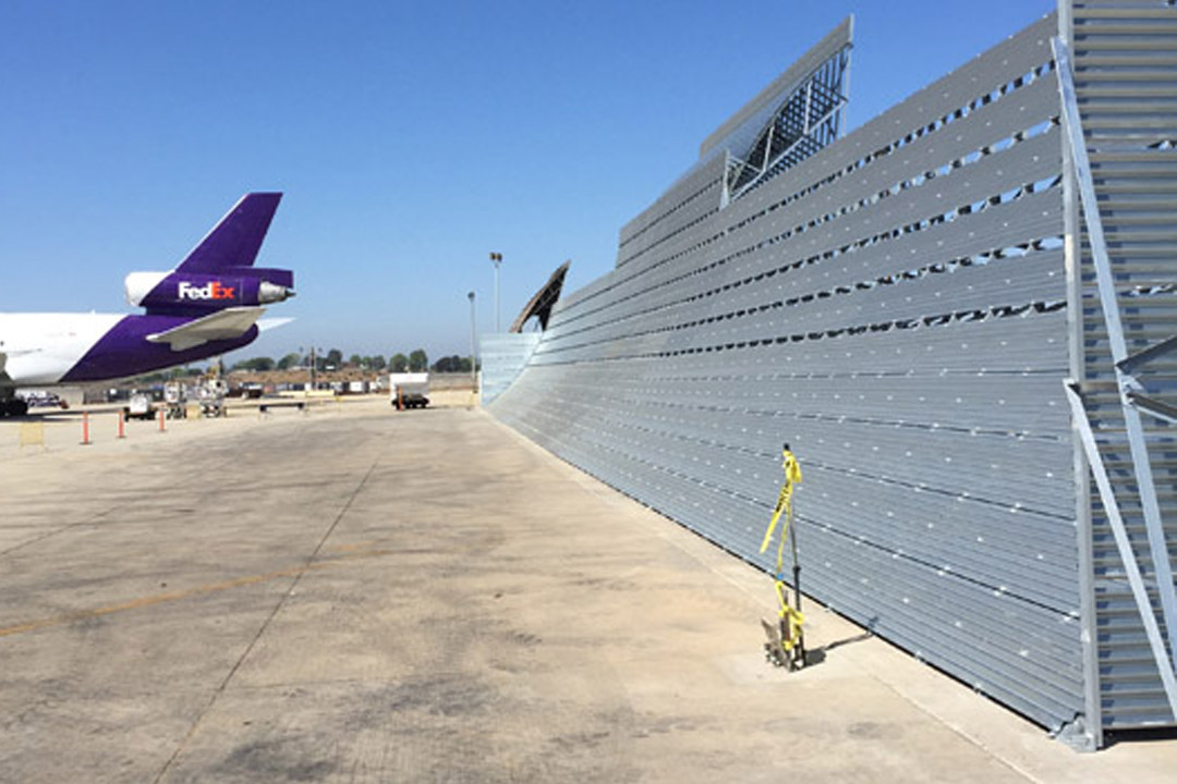 FedEx Run-up Jet Blast Barrier